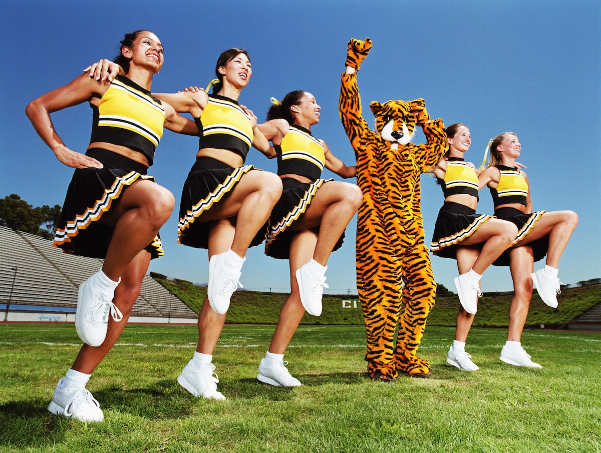 mascot-and-cheerleaders